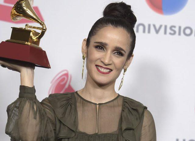«La enamorada»: Julieta Venegas estrena nuevo álbum