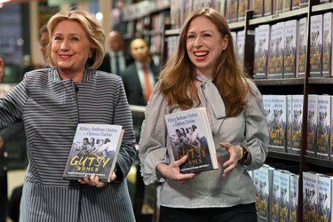 Chelsea Clinton ha ganado $ 9 millones de un asiento de la junta. Veamos cómo funcionó esta multimillonaria para su fortuna.