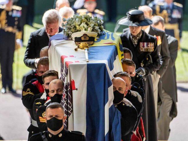 Reino Unido se despide del duque de Edimburgo desde la capilla de San Jorge de Windsor